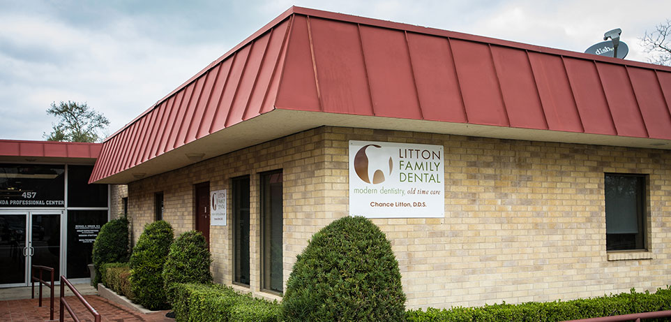 front of Litton Family Dental office